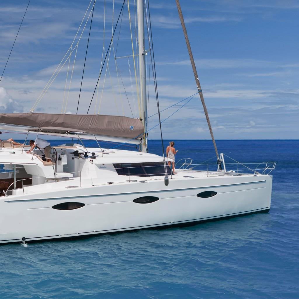 Sanya 57, le catamaran pour votre croisière sur le lac léman